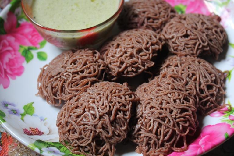 Ragi Idiyappam with Coconut Chutney Recipe / Ragi Sevai Recipe / Finger Millet String Hoppers Recipe