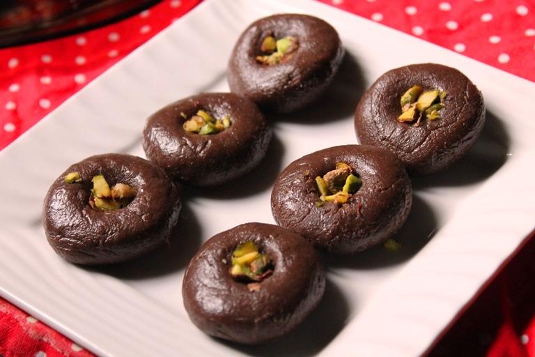 Chocolate Peda Recipe / Chocolate Milk Peda Recipe