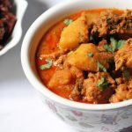 Aloo Chicken Curry Recipe / Chicken Curry with Potatoes