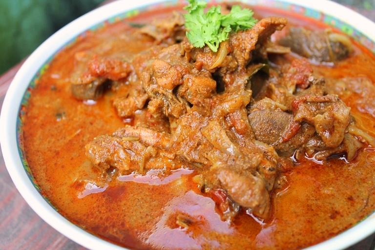 Chicken Salna Recipe / Nattu Kozhi Salna Recipe