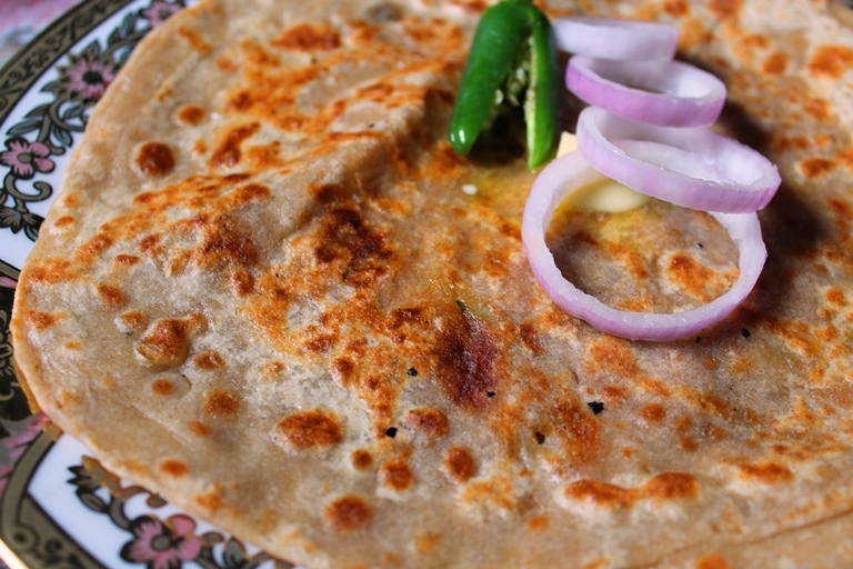 Punjabi Aloo Paratha Recipe / Dhaba Style Aloo Paratha Recipe