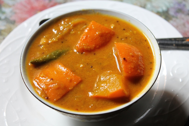 Pumpkin Sambar Recipe / Poosanikai Sambar Recipe