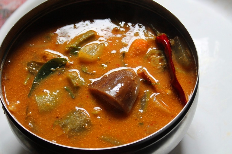 Udupi Sambar Recipe / Udupi Hotel Sambar Recipe