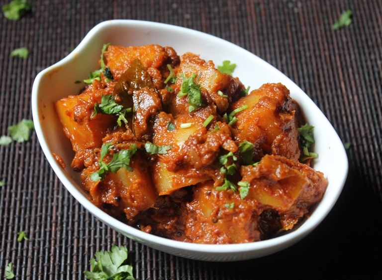 Aloo Coconut Milk Curry Recipe / Potato Curry with Coconut Milk