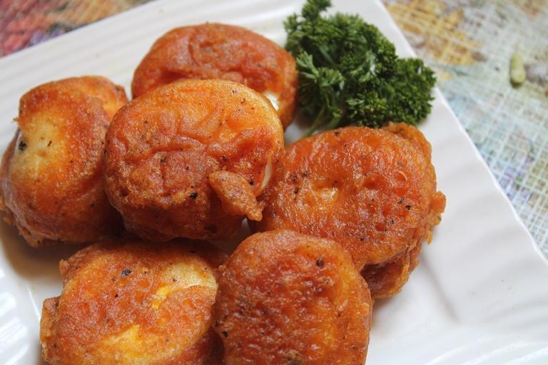 Easy Egg Bajji Recipe / Egg Pakora Recipe