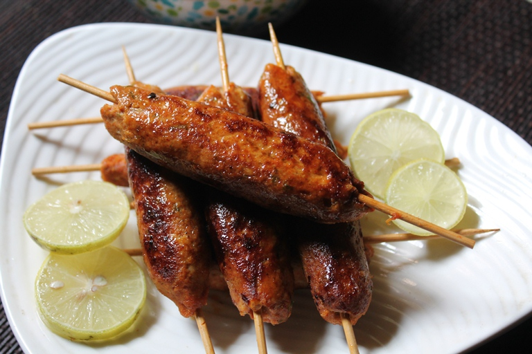 Easy Chicken Seekh Kebab Recipe / Chicken Seekh Kabab Recipe
