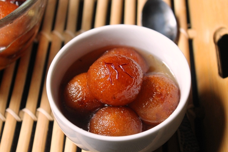 Sweet Potato Gulab Jamun Recipe / Gulab Jamun using Sweet Potato Recipe