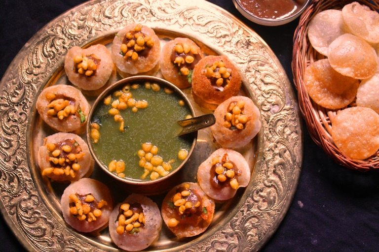 Paani Puri/Gol Gappe, Scrumptious Bhang Delicacies, holi food & drinks, holi celebration ideas