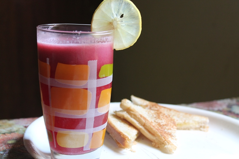 Fresh Pomegranate Juice Recipe / How to Make Anardana Powder at Home