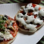 Olive and Cheese Pizza Recipe – Tawa Pizza – Pizza without Oven