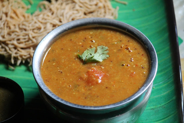 Easy Tomato Sambar Recipe / Thakkali Sambar Recipe
