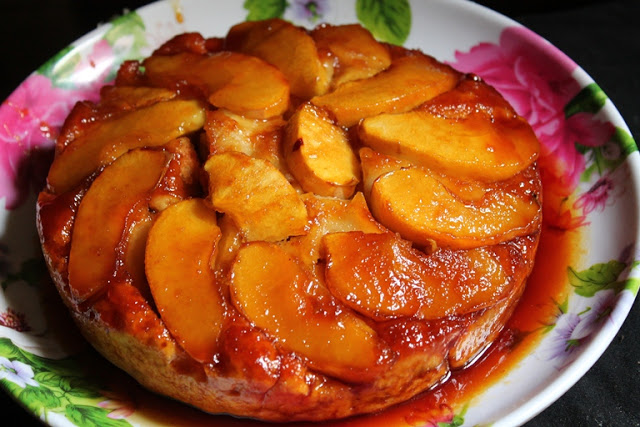 Apple Upside Down Cake Recipe – Eggless & Low Fat