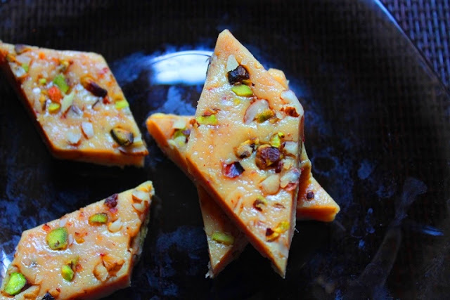 Easy Khoya Burfi Recipe / Mawa Barfi Recipe / Kesar Burfi Recipe