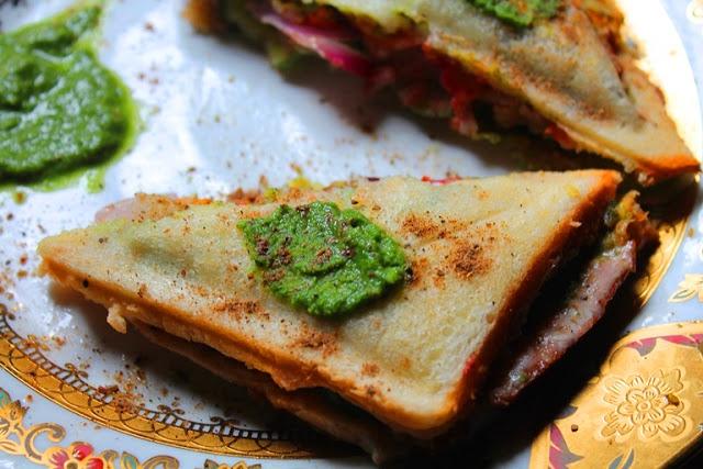 Veg Cheese Toast Sandwich Recipe / Bombay Vegetable & Cheese Toast Recipe
