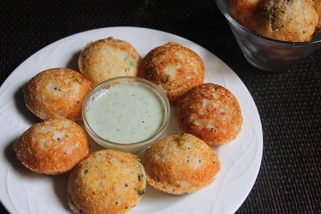 Rava Kara Kuzhi Paniyaram Recipe / Sooji Paniyaram Recipe