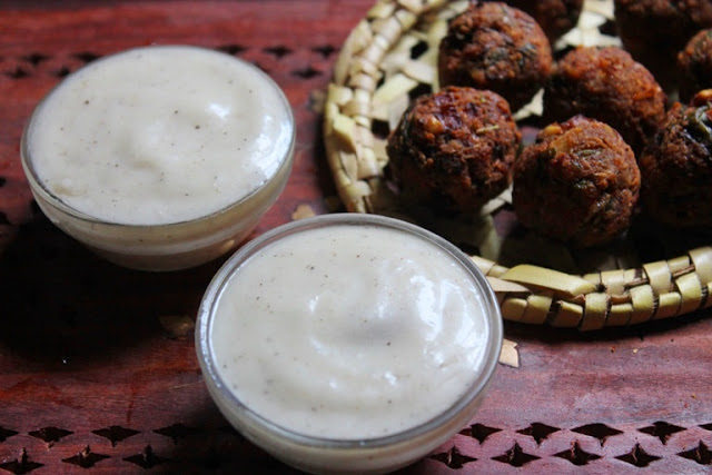 Best Lebanese Garlic Sauce Recipe