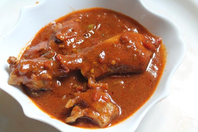 Cardamom Scented Chicken Curry Recipe