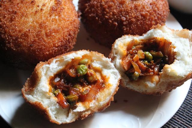 Crispy Chinese Vegetable Buns Recipe – Fried Vegetable Buns Recipe