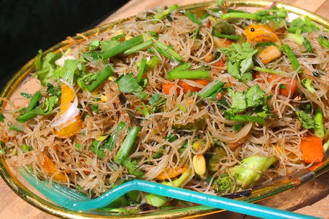 Stir Fried Rice Noodles Recipe – Vegetarian Rice Noodles Recipe
