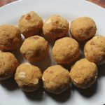 Khoya Besan Ladoo Recipe – Khoya Ladoo Recipe