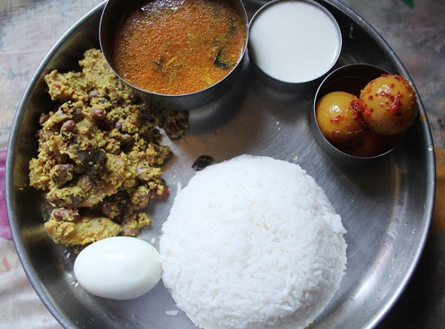 Lunch Menu Idea 10 – Potato Mochai Curry, Rasam, Neer Nellikai & Yogurt