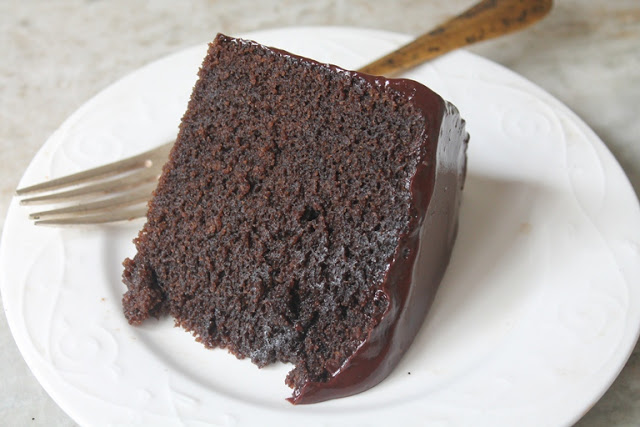 Eggless Moist Chocolate Mud Cake
