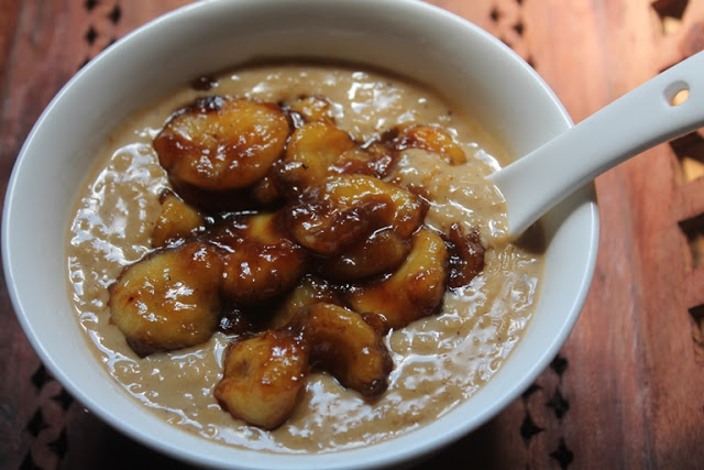 Breakfast Banana Oatmeal Recipe – Caramelized Banana Oats Recipe