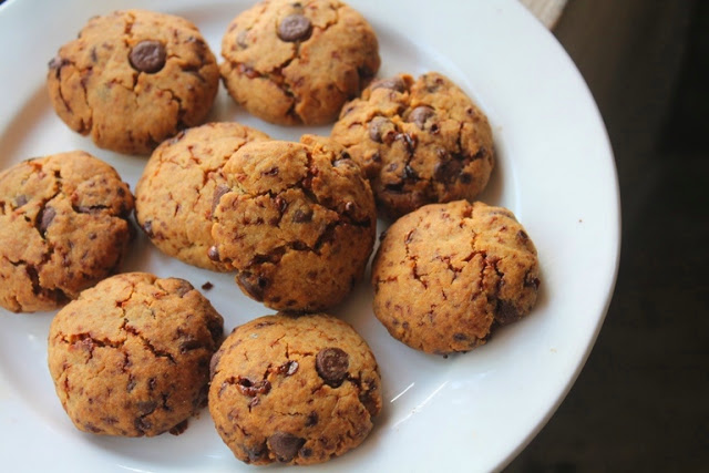 Eggless Whole Wheat Chocolate Chip Cookies Recipe