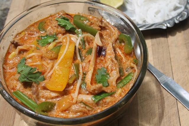 Chicken Laksa Recipe – Thai Chicken Noodle Laksa Recipe