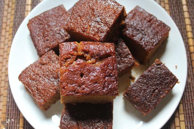 Super Moist Gingerbread Cake Recipe – Gingerbread Snacking Cake Recipe