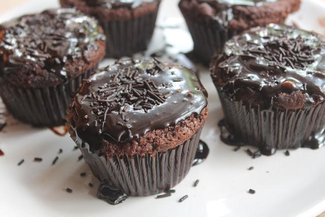 Dark Fantasy Cupcakes Recipe – Eggless Recipe
