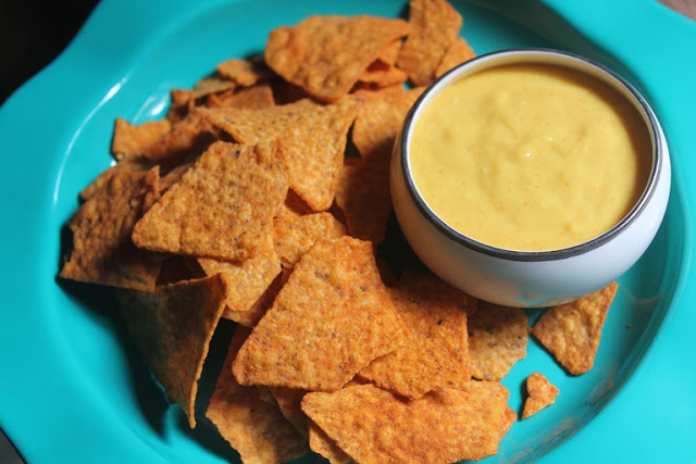 Nachos with Cheese Sauce Recipe – Homemade Nacho Cheese Sauce Recipe