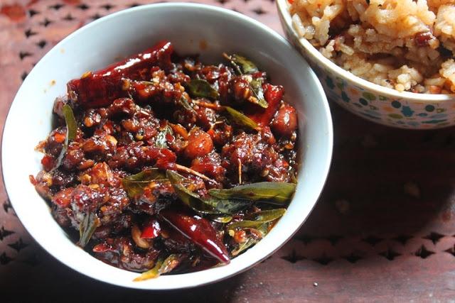 Instant Tamarind Rice Mix Recipe – Puliyogare Paste Recipe