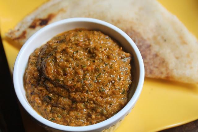 Tomato Curry Leaves Chutney Recipe – Thakkali Karuveppilai Chutney Recipe