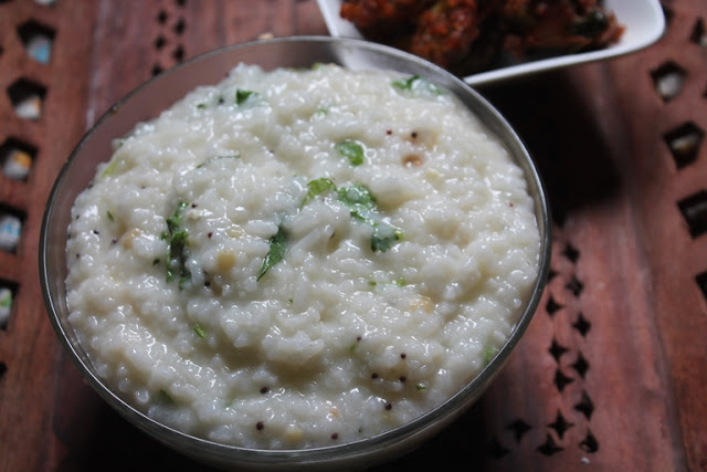 Simple Curd Rice Recipe – Yogurt Rice Recipe – Thayir Sadam Recipe