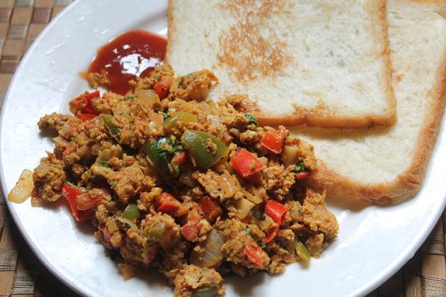 Mumbai Style Scrambled Eggs Recipe