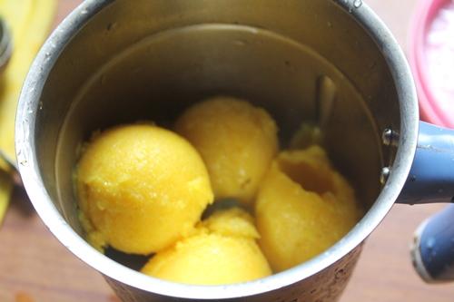 how to make vanilla custard ice cream