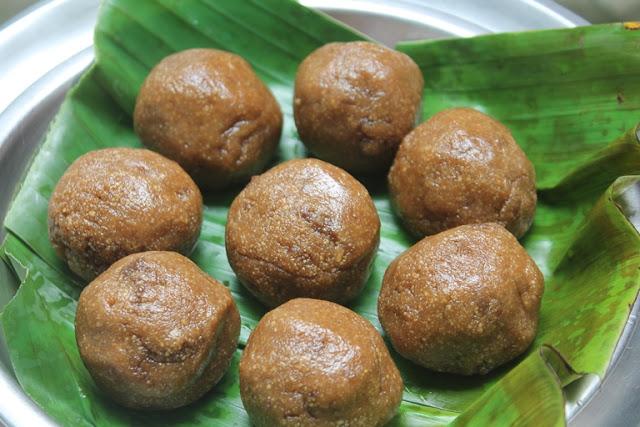 Ulundhu Kali Recipe – Urad Dal Halwa Recipe