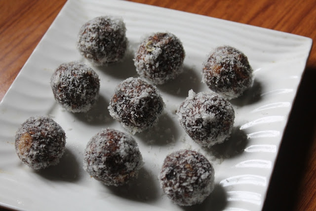 Chocolate Dates Energy Bites Recipe