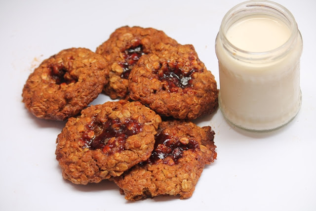 Oatmeal Jammys Recipe – Chewy Oatmeal Jam Cookies Recipe