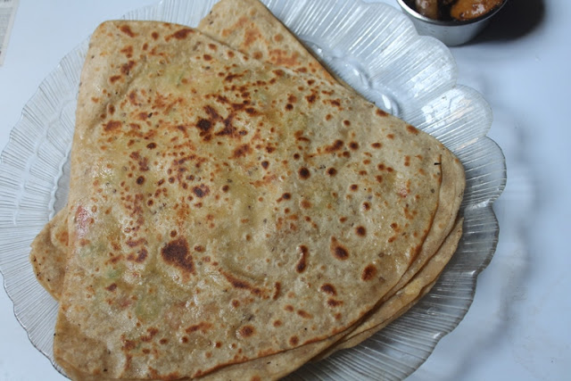 Egg Paratha Recipe – Stuffed Egg Paratha Recipe