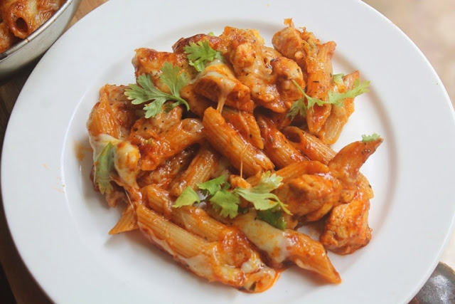 One Pot Cheesy Chicken Tomato Pasta Bake Recipe