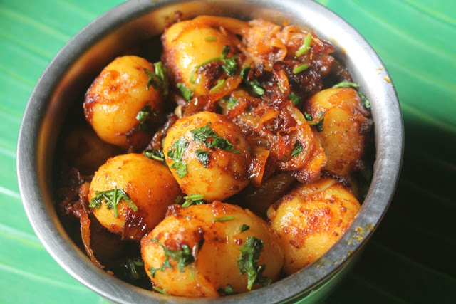 Dahi Aloo Roast Recipe – Potato Roast with Yogurt