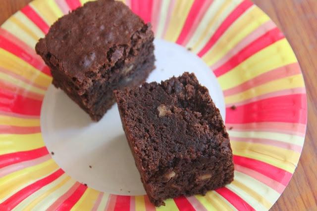 Fudgy Walnut Brownie Recipe – Chocolate Walnut Brownies Recipe