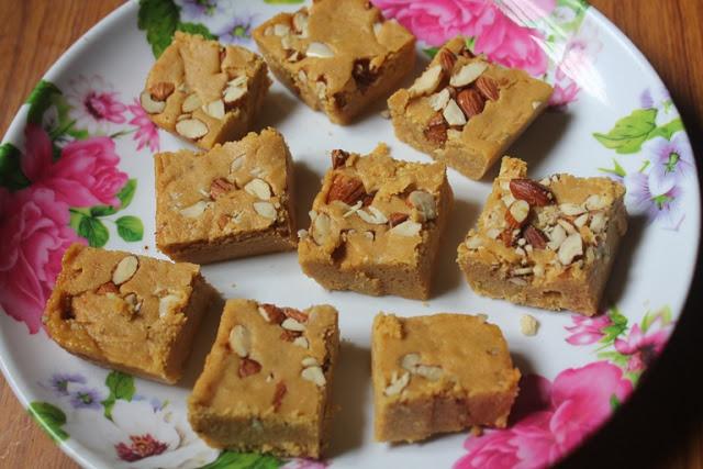 Mohanthal Recipe – Gram Flour Fudge Recipe