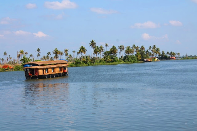 REVIEW – Alleppey Boat House