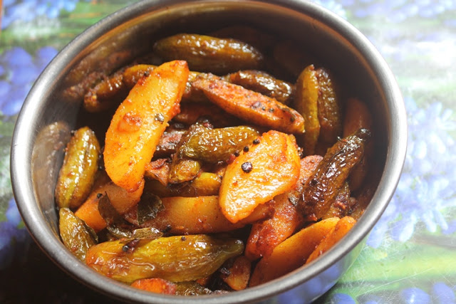 Tindora Potato Roast Recipe – Kovakkai Urulai Kizhangu Varuval Recipe