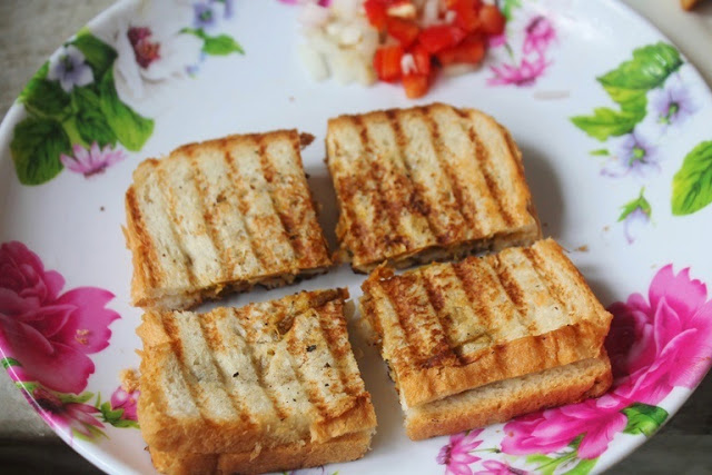 Easy Chana Masala Sandwich Recipe