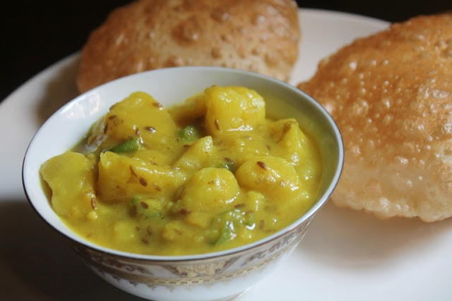 Puri Bhaji Recipe – Breakfast Aloo Bhaji Recipe – Aloo Bhaji without Onions & Garlic
