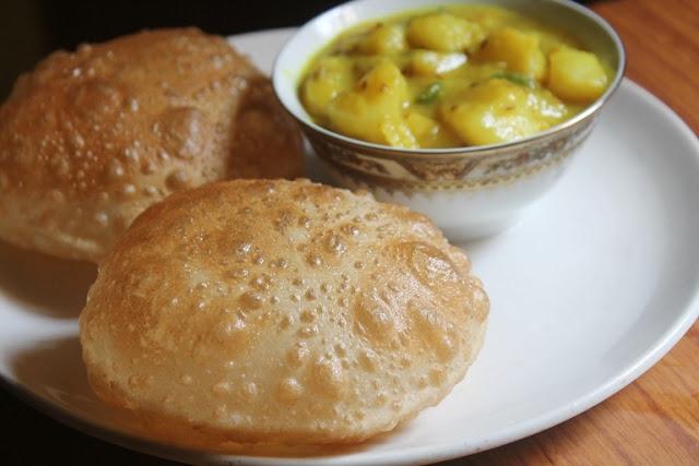 Maida Poori Recipe – Puri Recipe – How to Make Puffy Pooris